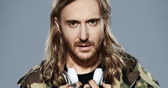 Określany potencjalnym przebojem lata, przebój 2U uzyskał miano zdecydowanego hitu! Wszystko za sprawą połączenia głosu kanadyjskiego wokalisty z talentem francuskiego DJ'a. Justin Bieber i David Guetta pokazali w tym roku duet na światowym poziomie. Mija tydzień od premiery drugiej wersji teledysku, który w wyjątkowo krótkim czasie przekroczył 2 miliony wyświetleń na You Tube. David Guetta ze swoimi najnowszymi produkcjami przyjedzie do Polski już w styczniu, na zaproszenie agencji Prestige MJM.