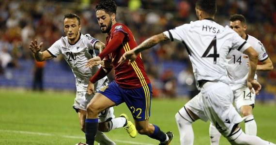 Hiszpania wygrała w Alicante z Albanią 3:0 w przedostatniej kolejce eliminacji piłkarskich mistrzostw świata i dzięki remisowi Włoch z Macedonią 1:1 jest już pewna gry na mundialu. Bardzo blisko tego jest Islandia, która w spotkaniu grupy I pokonała Turcję 3:0.