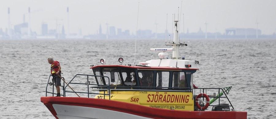Duńska policja poinformowała, że w piątek nurkowie znaleźli głowę i nogi szwedzkiej dziennikarki Kim Wall, która zginęła w tajemniczych okolicznościach w łodzi podwodnej duńskiego wynalazcy Petera Madsena.
