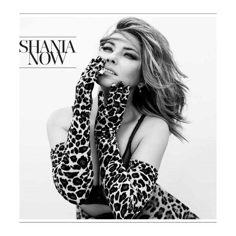 """Po piętnastoletniej przerwie od działalności muzycznej, której powodem były problemy z głosem, Shania Twain powraca na scenę. Czy niegdysiejszej królowej pop-country uda się przy pomocy """"Now"""" ponownie zasiąść na tronie?"""