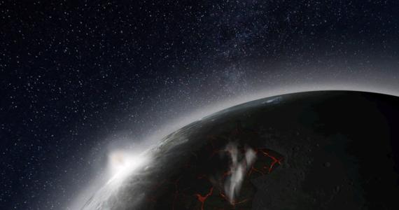 """Księżyc nie zawsze był tak goły i suchy, jak obecnie. Najnowsze wyniki badań wskazują, że 3-4 miliardy lat temu Księżyc, wskutek silnej aktywności wulkanów, był otoczony atmosferą. Jak pisze w najnowszym numerze czasopismo """"Earth and Planetary Science Letters"""", wulkany emitowały wtedy tak dużo gazów, że mimo niewielkiej grawitacji, ich cząsteczki nie zdążały uciec w otwartą przestrzeń kosmiczną i gromadziły się przy powierzchni Srebrnego Globu. Atmosfera osiągnęła maksimum gęstości około 3,5 miliarda lat temu. Rozwiała się potem w ciągu około 70 milionów lat."""