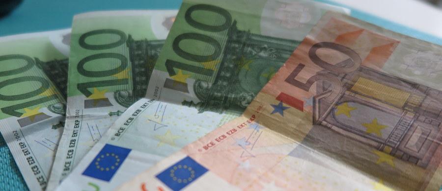 Mniej pieniędzy z unijnego budżetu po 2020 roku? To już prawie pewne. Polska zabiega o utrzymanie unijnego budżetu przynajmniej na tym samym poziomie, co dotychczas. Wiceminister rozwoju Jerzy Kwieciński przyznał, że Brexit prawdopodobnie wpłynie na zmniejszenie przyszłego budżetu, z którego nasz kraj najbardziej obecnie korzysta. To nie jedyny powód świadczący o tym, że pieniędzy w nowym budżecie UE może być mniej.