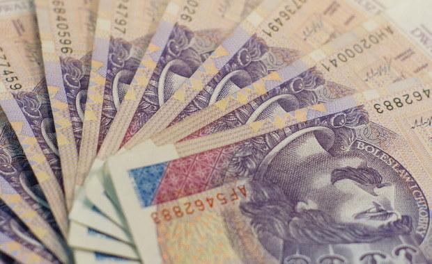 Ponad 2 miliony złotych wyparowały z prywatnego konta jednego z trójmiejskich duchownych - dowiedział się reporter RMF FM. Przestępstwo od kilku tygodni bada prokuratura. Są już pierwsi podejrzani, ale to najpewniej nie koniec zatrzymań w tej sprawie.