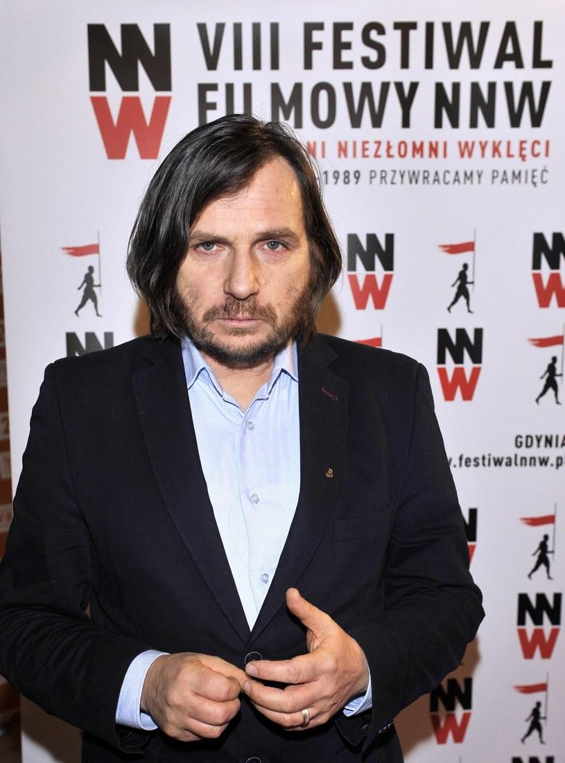 """""""12 lat funkcjonowania Polskiego Instytutu Sztuki Filmowej, to mam wrażenie, raczej sprzyjanie jednej opcji światopoglądowej, bardziej liberalnej, bardziej lewicowej"""" - powiedział reżyser Arkadiusz Gołębiewski. Jednocześnie zaznaczył, że """"część bardziej konserwatywna, szukająca inspiracji w polskim patriotyzmie, polskiej historii najnowszej, zawsze była gdzieś na uboczu""""."""