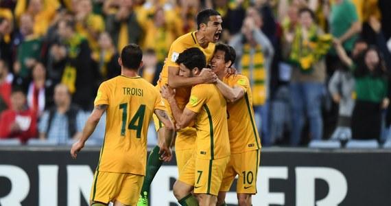 Piłkarze Australii pokonali w Sydney Syrię 2:1 po dogrywce i zagrają w barażu interkontynentalnym o udział w mistrzostwach świata 2018. Pierwsze spotkanie barażu w azjatyckiej strefie eliminacji zakończyło się remisem 1:1.