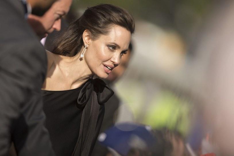 """Trzy hollywoodzkie gwiazdy - Gwyneth Paltrow, Angelina Jolie i Rosanna Arquette - miały doświadczyć molestowania seksualnego ze strony słynnego producenta filmowego Harveya Weinsteina. O sprawie informuje """"New York Times"""". Ponadto włoska aktorka Asia Argento wyznała, że Weinstein zgwałcił ją w 1997 roku."""