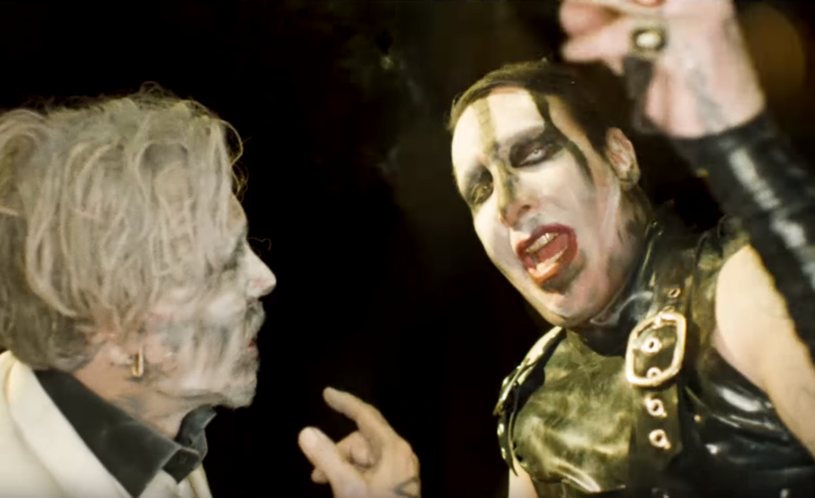 """Tylko dla widzów dorosłych - takie oznaczenie ma najnowszy teledysk Marilyn Manson. W """"Say10"""" gościnnie występuje zaprzyjaźniony z wokalistą aktor Johnny Depp."""