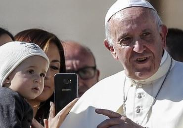 Papież uspokoi Kim Dzong Una? Watykan chce podjąć mediację ws. kryzysu koreańskiego