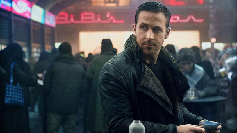 """Moda od lat inspiruje się kinem - i na odwrót. Tej jesieni na wybiegach i srebrnym ekranie królują futuryzm i fascynacje ubiorem przyszłości. A wszystko to za sprawą najnowszej produkcji Denisa Villeneuvea """"Blade Runner 2049""""."""