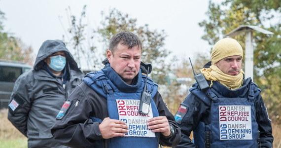 Ukraina to piąte miejsce na świecie pod względem liczby ofiar cywilnych, które ucierpiały na skutek eksplozji min. W ciągu ponad trzech lat trwania konfliktu w Donbasie rannych został co najmniej 1250 osób. Tylko w RMF FM specjalny raport ze wschodu Ukrainy i relacja naszego wysłannika Patryka Michalskiego prosto z pogranicza z Ługańską Republiką Ludową, gdzie od dwóch miesięcy saperzy prowadzą operację rozminowania tamtejszych terenów.