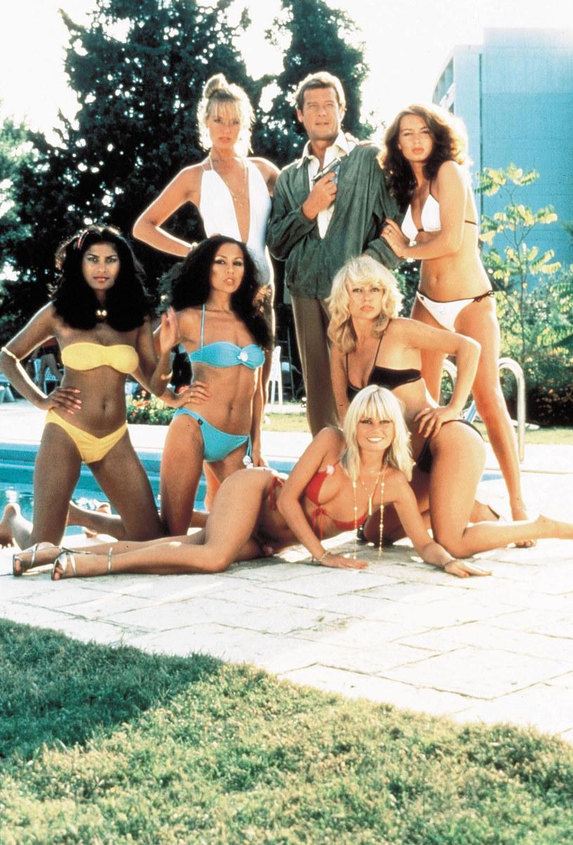 Nikt częściej niż Roger Moore nie wcielał się w Jamesa Bonda. To właśnie jemu agent 007 zawdzięcza w dużej mierze wdzięk, klasę, ale i specyficzne poczucie humoru.