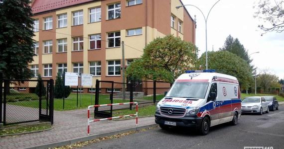 Prawie 250 dzieci i 30 nauczycieli ewakuowano ze szkoły w Odrzykoniu na Podkarpaciu. Uczniowie źle się poczuli.