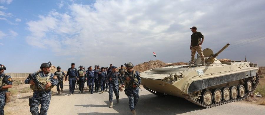 USA pilnie obserwują wzrost napięcia w prowincji Kirkuk, na północy Iraku, spowodowany operacją irackich sił rządowych i wysłaniem do tej prowincji tysięcy bojowników kurdyjskich - powiedział w piątek sekretarz obrony USA Jim Mattis. Dodał, że USA podejmują działania aby nie dopuścić do eskalacji napięcia.