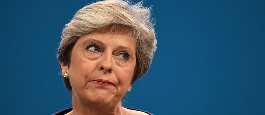 Premier Wielkiej Brytanii Theresa May spotka się dziś z przewodniczącym Komisji Europejskiej Jean-Claudem Junckerem i głównym unijnym negocjatorem ds. Brexitu Michelem Barnierem - poinformowały wczoraj wieczorem brytyjskie media.