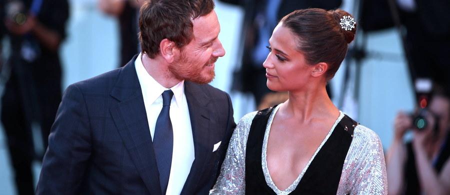 Para znanych aktorów Alicia Vikander i Michael Fassbender wzięli ślub. Cicha ceremonia w gronie najbliższych odbyła się w weekend na Ibizie.
