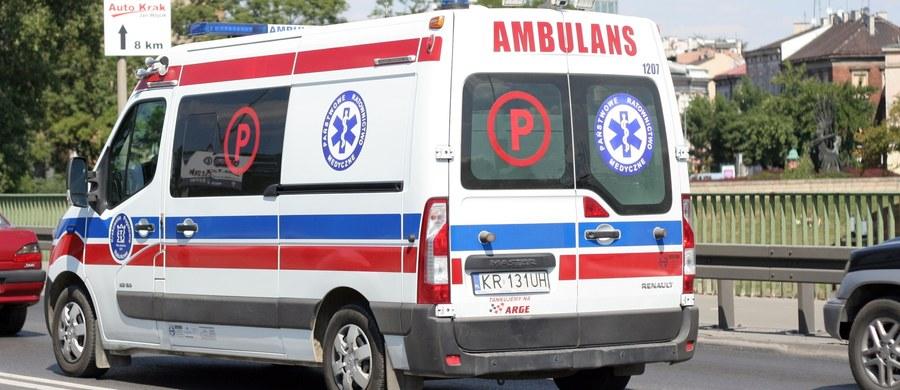 W Polsce mamy prawie 1500 zespołów ratowniczo-medycznych. Najwięcej z nich jest w województwie mazowieckim, a najmniej w opolskim. Ratownicy najczęściej udzielają pomocy w domach i na drogach podczas wypadków. Ratownicy nie pracują tylko w karetkach, ale też na Szpitalnych Oddziałach Ratunkowych.