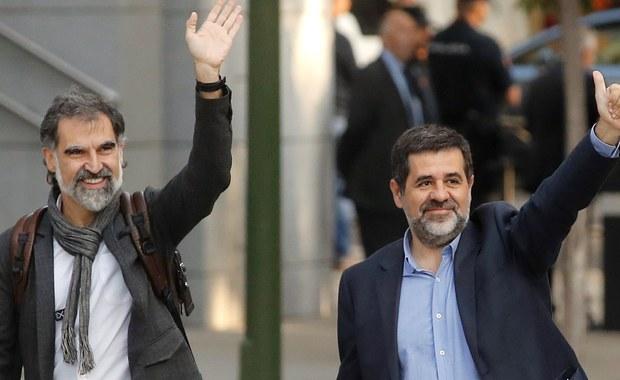 Sąd Najwyższy w Madrycie zadecydował o zastosowaniu wobec Jordiego Cuixarta i Jordiego Sancheza, liderów katalońskich organizacji niepodległościowych, tymczasowego aresztu. Mężczyźni są podejrzewani o podburzanie do niepokojów.