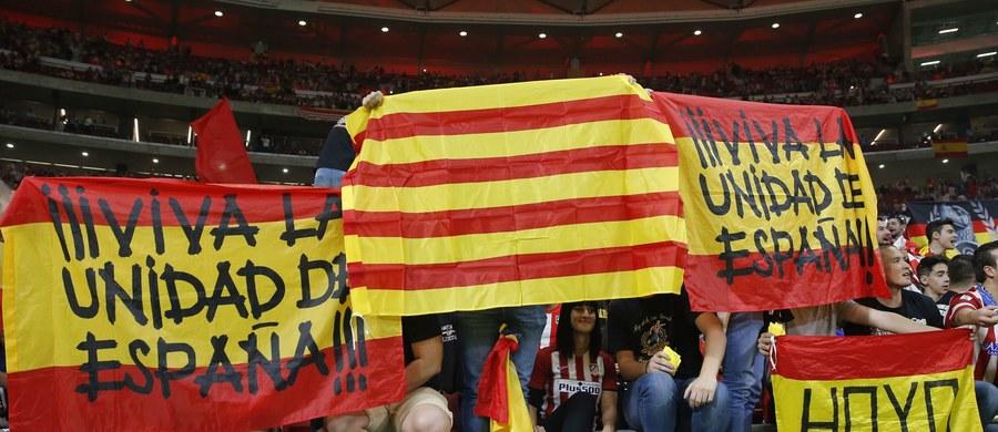 Z powodu konfliktu wokół niepodległościowych aspiracji Katalonii rząd Hiszpanii obniżył prognozę wzrostu gospodarczego na przyszły rok z 2,6 do 2,3 proc. PKB - wynika z najnowszego projektu ustawy budżetowej.