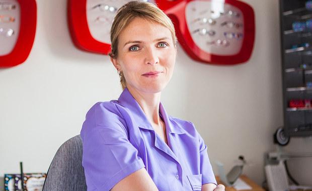 """W tym tygodniu w cyklu """"Twoje Zdrowie w Faktach RMF FM"""" zajmujemy się wzrokiem. Na pytania naszych słuchaczy będzie odpowiadać ekspert, dr n. med. Katarzyna Buczak-Gasińska, okulista, Starszy Asystent Oddziału Okulistyki Szpitala MSWiA w Krakowie."""