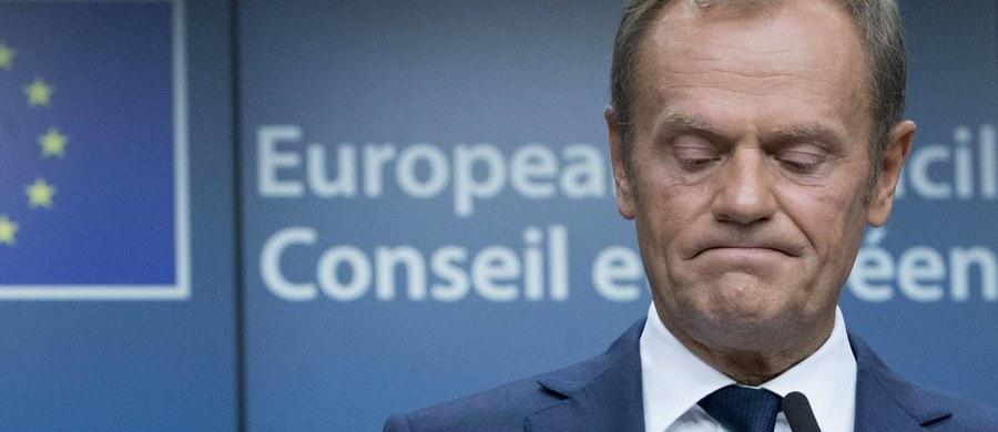 Szef Rady Europejskiej Donald Tusk powiedział dziennikarzom w Brukseli, że zadaniem rządzących w Polsce jest jak najbardziej integrować i scalać politycznie Europę, a nie sprzyjać podziałom i negatywnym emocjom. Integrowanie Europy - jego zdaniem - leży w interesie Polaków.