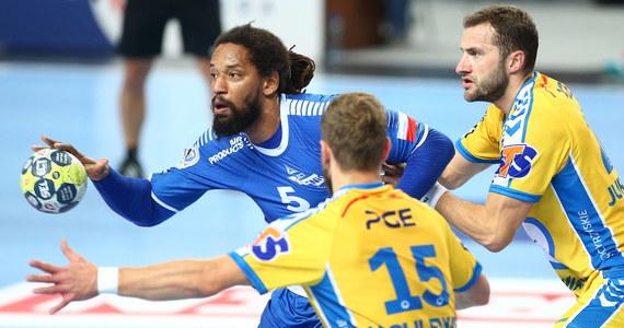 Piłkarze ręczni Orlenu Wisły Płock przegrali z PGE VIVE Kielce 30:31 (15:17) w meczu na szczycie ekstraklasy.