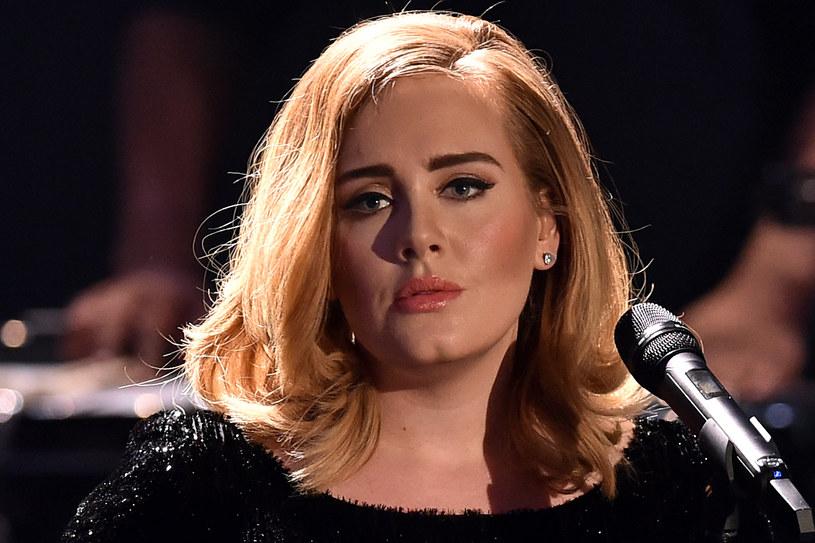 Nieco ponad 10 lat temu Adele zaliczyła swój pierwszy występ w telewizji. Zobaczcie archiwalne nagranie.