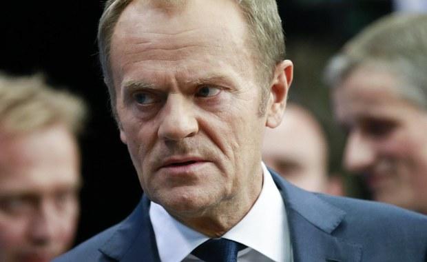 """Szefowie państw Unii Europejskiej zaoferowali podczas szczytu w Brukseli dodatkowe wsparcie dla Włoch. """"Jest szansa na zamknięcie szlaku migracyjnego w centralnej części Morza Śródziemnego"""" - poinformował szef Rady Europejskiej Donald Tusk."""