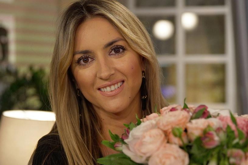 """W najbliższym odcinku programu """"Demakijaż"""" gościem Krzysztofa Ibisza będzie Karolina Szostak ,która opowie m.in. o groźnym wypadku samochodowym, do którego doszło, gdy miała 15 lat."""