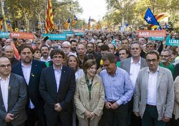 Przywódca Katalonii grozi głosowaniem w parlamencie ws. niepodległości
