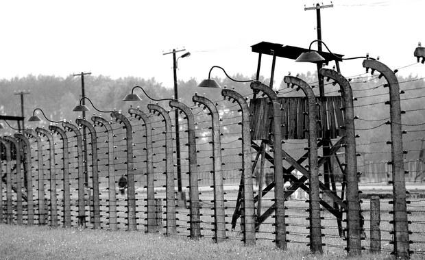 """Ambasada RP w Lizbonie podjęła interwencję w sprawie opublikowanego przez tygodnik """"Expresso"""" tekstu dotyczącego wystawy prac byłych więźniów Auschwitz. Autorka napisała, że był to obóz koncentracyjny """"w Polsce, który działał od 1940 do 1945 r.""""."""