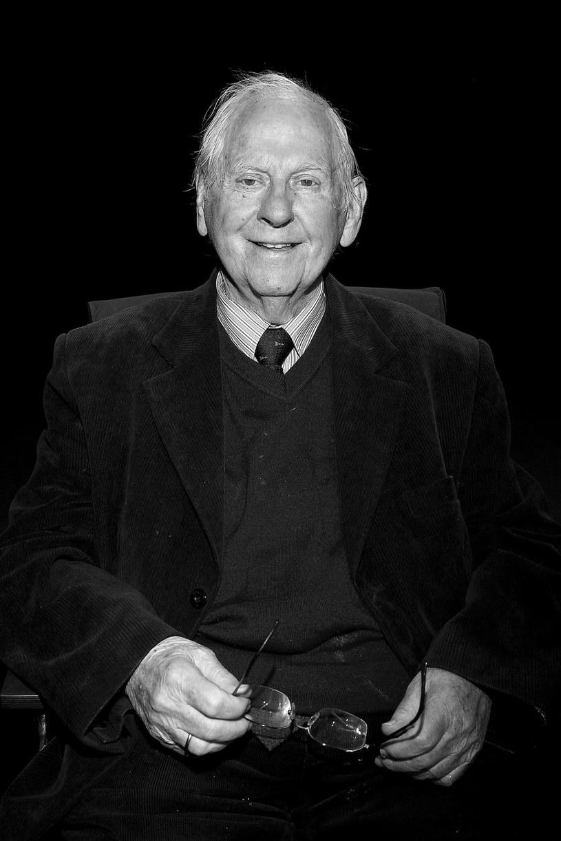 """Aktor Lech Ordon zmarł w sobotę, 21 października, w Załuskach koło Warszawy. Miał 88 lat. W swej karierze Ordon zagrał ponad 150 ról filmowych i telewizyjnych w tak popularnych produkcjach, jak """"Nie lubię poniedziałku, """"Janosik"""", """"Jak rozpętałem drugą wojnę światową"""" czy """"Chłopi""""."""