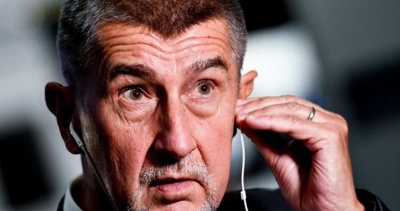 """Prezydent Czech Milosz Zeman ogłosił, że zamierza mianować premierem Andreja Babisza, lidera centroprawicowego ANO, partii, która z blisko 20-procentową przewagą nad drugim ugrupowaniem wygrała wybory do czeskiej Izby Poselskiej. W wywiadzie dla tabloidu """"Blesk"""" poinformował, że zmieni zdanie jedynie w przypadku, gdyby lider ANO """"nie był zainteresowany stanowiskiem premiera""""."""