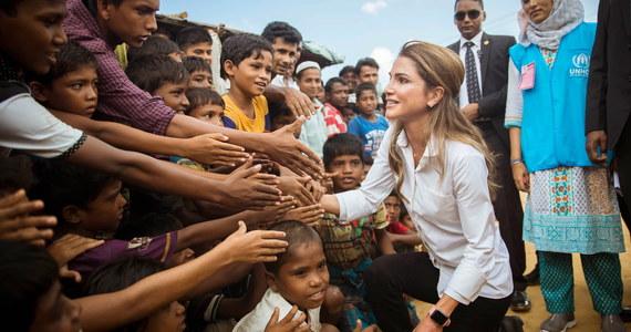"""Prawie milion Rohindżów - członków muzułmańskiej mniejszości - którzy uciekli przed pogromami w Birmie, znajduje się obecnie w Bangladeszu, co jest """"sytuacją nie do udźwignięcia"""" - poinformował ambasador tego kraju przy ONZ."""