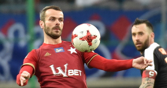 Paweł Brożek może już nie zagrać w tym roku. Piłkarz Wisły Kraków w niedzielnym meczu z Legią Warszawa doznał poważnej kontuzji, a leczenie i rehabilitacja potrwa do ośmiu tygodni.