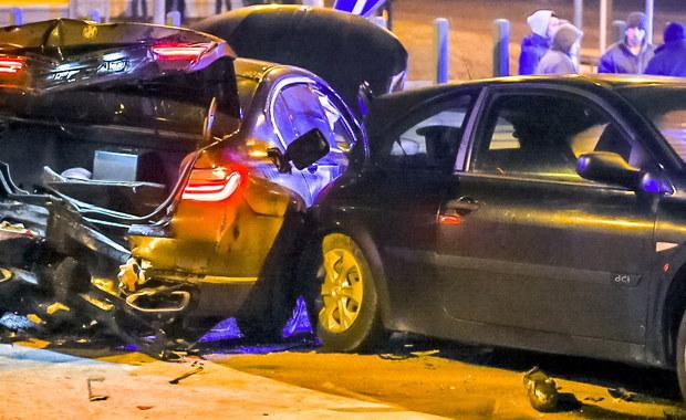 Zarzut nieumyślnego spowodowania wypadku, w którym ranne zostały inne osoby, usłyszał żandarm - kierowca jednego z samochodów z kolumny ministra Antoniego Macierewicza - dowiedział się reporter RMF FM. Starszy kapral Grzegorz G. został dziś przesłuchany w śledztwie dotyczącym styczniowego karambolu spod Torunia z udziałem samochodów MON.