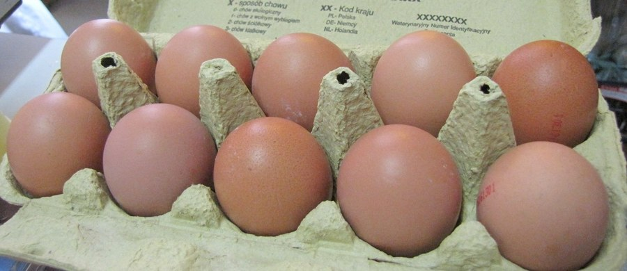W połowie października jaja konsumpcyjne kosztowały 40,5 zł za 100 sztuk - o 23 proc. więcej niż przed rokiem - poinformowała ekspert rynków rolnych z BGŻ BNP Paribas Magdalena Kowalewska. Tak wysokiego poziomu cen nie notowano od 2012 roku.