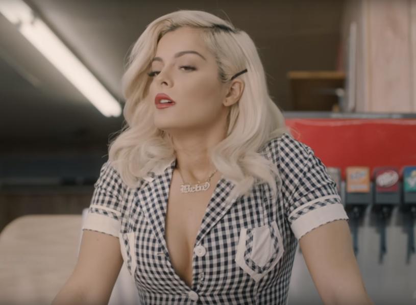 """Poniżej możecie zobaczyć teledysk """"Meant to Be"""", który wokalistka Bebe Rexha nagrała z duetem country Florida Georgia Line."""