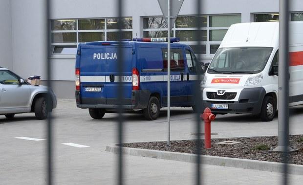 Śledczy skierowali do sądu wniosek o umorzenie postępowania i zamknięcie w zakładzie psychiatrycznym 27-latka podejrzanego m. in. o zabójstwo pracownicy poczty w Kielcach. Poinformował o tym rzecznik Prokuratury Okręgowej w Kielcach Daniel Prokopowicz.