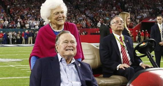 Były prezydent USA, 93-letni obecnie George H.W. Bush został oskarżony przez aktorkę Heather Lind o molestowanie seksualne. Za pośrednictwem swojego rzecznika Bush złożył wyrazy ubolewania i przekazał swoją interpretację incydentu.