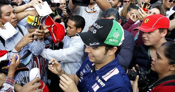 Meksykański kierowca Formuły 1 Sergio Perez w najbliższym wyścigu o Grand Prix Meksyku wystąpi w specjalnym kasku, który ma przypomnieć o niedawnym potężnym trzęsieniu ziemi w jego kraju i podziękować za udział wolontariuszy w ratowaniu życia.