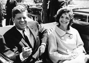 """Telefon o """"dużym newsie"""", obawy o wojnę nuklearną. Odtajniono dokumenty ws. zabójstwa JFK"""