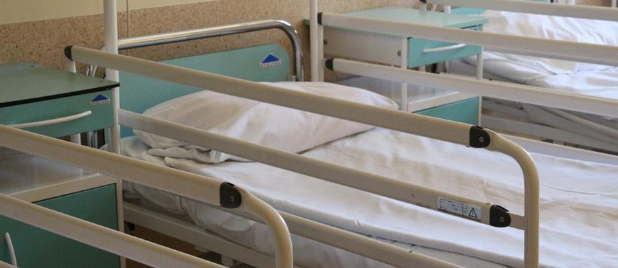 Lekarz, pielęgniarka i położna będą tworzyli zespół, który ma zapewnić koordynację opieki nad pacjentem w całym systemie ochrony zdrowia - przewiduje rządowa ustawa o podstawowej opiece zdrowotnej, którą uchwalił Sejm.