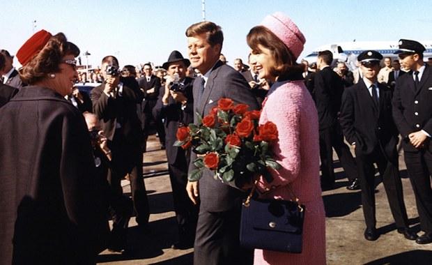 """Zygmunt Broniarek, długoletni korespondent """"Trybuny Ludu"""" w USA, pojawia się w odtajnionej partii dokumentów dotyczących zamachu na Johna Fitzgeralda Kennedy'ego. Prezydent USA został zamordowany w Dallas w stanie Teksas 22 listopada 1963 roku."""