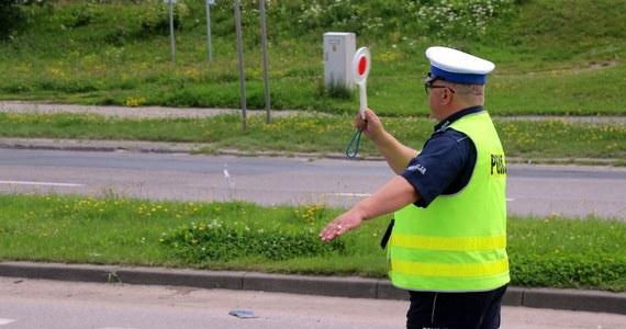 Ok. godz. 15.40 wznowiono ruch na trasie katowickiej w kierunku centrum Poznania. W wyniku wypadku, do jakiego doszło w sobotę po południu, rannych zostało 5 osób, w tym 2-letnie dziecko.