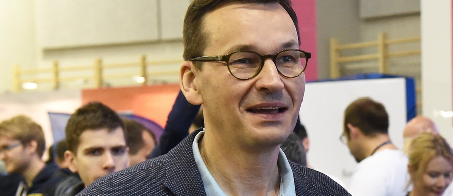 """Znalezienie najlepszych rozwiązań dla usprawnienia państwa jest jak walka Batmana ze złem - powiedział wicepremier, minister rozwoju i finansów Mateusz Morawiecki podczas największej stacjonarnej imprezy dla programistów w Europie """"HackYeah"""" w sobotę w Krakowie."""