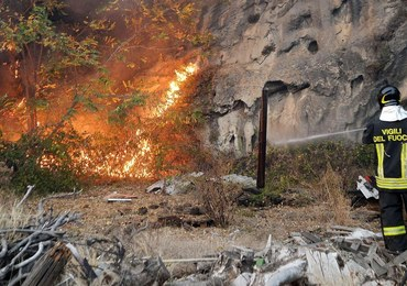 Włochy: Strażacy wciąż walczą z pożarami w Piemoncie