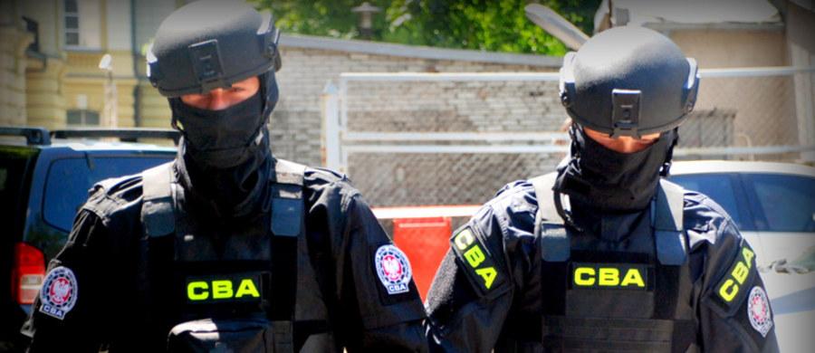 Były dyrektora kopalni węgla kamiennego Makoszowy Bogdan P. został zatrzymany przez agentów Centralnego Biura Antykorupcyjnego. Mężczyzna zostanie przewieziony do śląskiej prokuratury krajowej, gdzie usłyszy zarzuty o charakterze korupcyjnym.