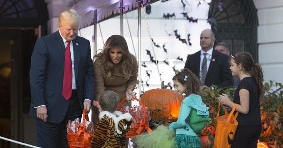 Prezydent USA Donald Trump wraz z pierwszą damą zaprosili dzieci z ponad 20 amerykańskich szkół wraz z rodzicami oraz rodziny wojskowych na wspólne świętowanie i zabawy z okazji Halloween w Białym Domu.