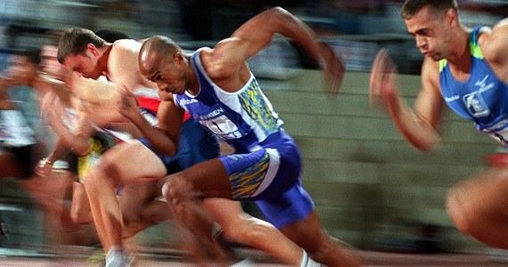Francuska prokuratura wszczęła postępowanie przeciwko doskonałemu niegdyś sprinterowi z Namibii Frankiemu Fredericksowi. Podejrzany jest o pasywną korupcję - poinformowała agencja AFP.