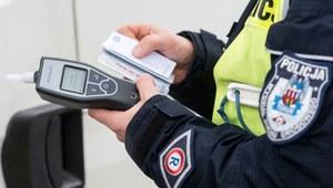 Dolnośląskie: Nietrzeźwy kierowca potrącił policjanta